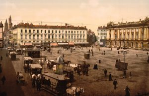 An old photo of a city.